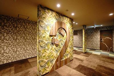 ホテルの内装ジャングル